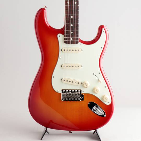 Japan Exclusive Classic 60s Stratocaster Cherry Sunburst