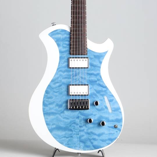 MARY ONE Quilted Maple  Blue  White Edge