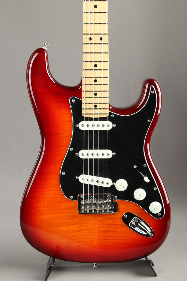 Player Stratocaster Plus Top Aged Cherry Burst
